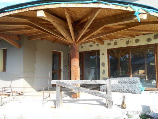 Exkluzívne na predaj rodinný dom v Hronovciach - obrázok