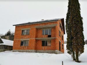 Rozostavaný rodinný dom predaj Detvianska Huta ZNÍŽENÁ CENA