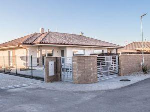 Luxusné domy v Rovinke Novostavba Rovinka