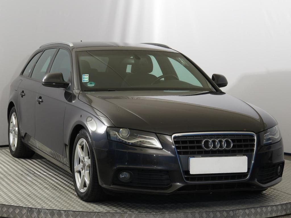audi a4 avant 2 0 tdi premium autovia sk. Black Bedroom Furniture Sets. Home Design Ideas