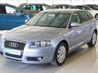 Audi A3 1, 6 FSI Attraction CZ Sportback