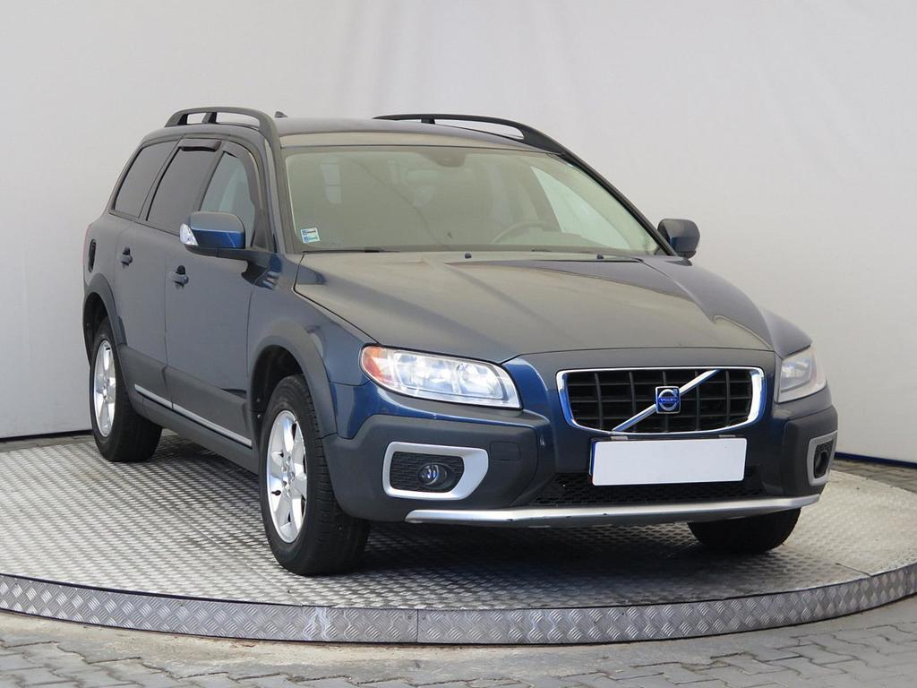 volvo xc70 xc 70 d5 awd kinetic 136kw m6 5d autovia sk. Black Bedroom Furniture Sets. Home Design Ideas