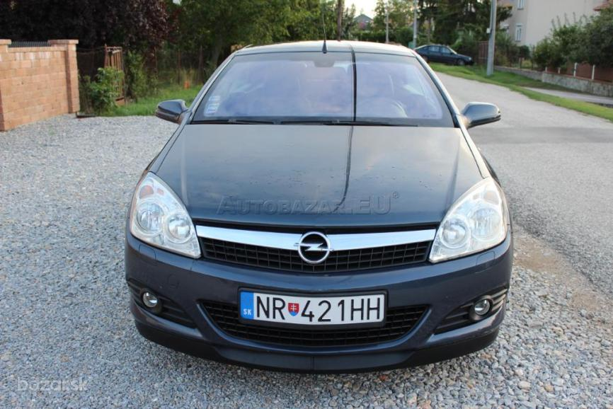 Opel Astra TwinTop 1.9 DTH Cosmo