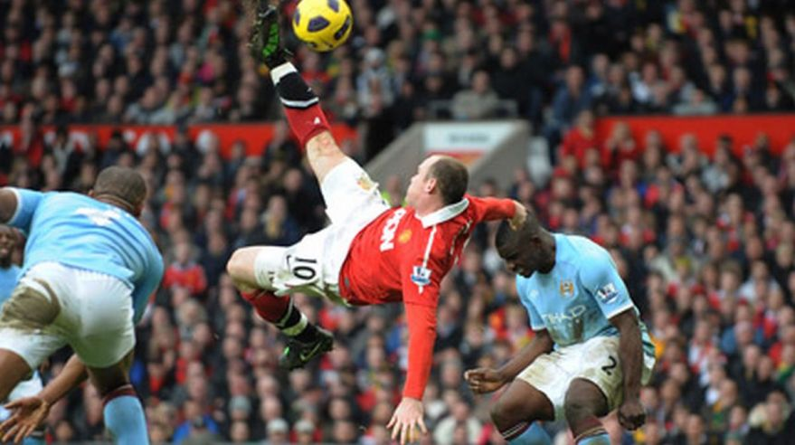 Wayne Rooney, Manchester United, pamatne noznicky, vs. Manchester City, Foto1, Feb2011